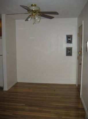 50 Seymour St APT 12, Boston, MA 02131