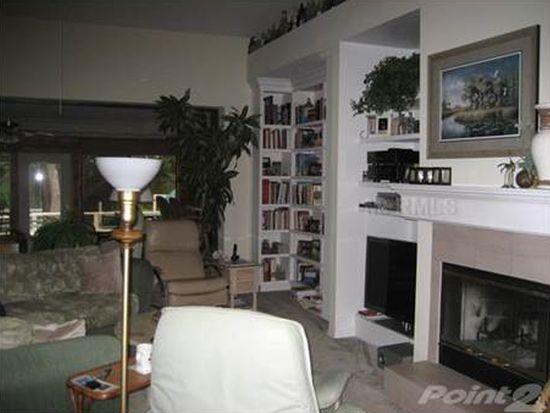 5452 Pine Bark Ln, Zephyrhills, FL 33543