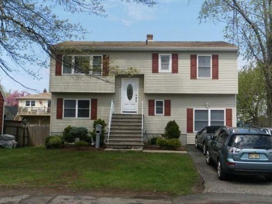 563 Heidelberg Ave, Woodbridge, NJ 07095