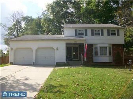 102 White Birch Rd, Turnersville, NJ 08012