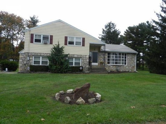 261 S Schuylkill Ave, Eagleville, PA 19403