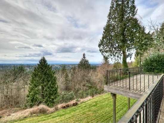 12075 206th Pl SE, Issaquah, WA 98027