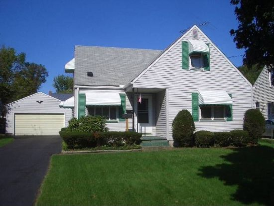 705 Cooper Ave, Akron, OH 44306