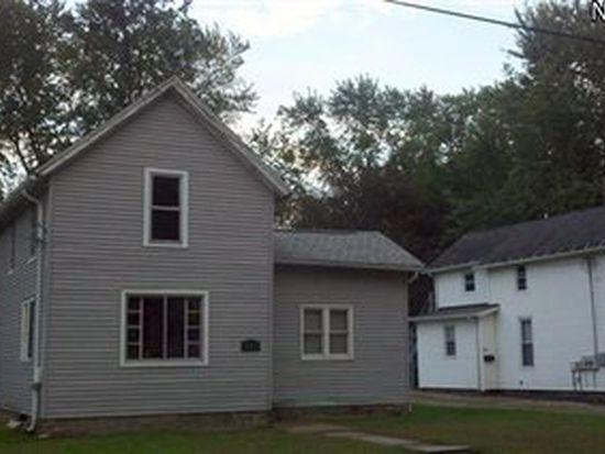638 Sandusky St, Conneaut, OH 44030
