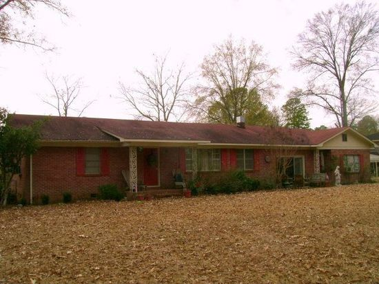 113 Young Ave, Calhoun City, MS 38916