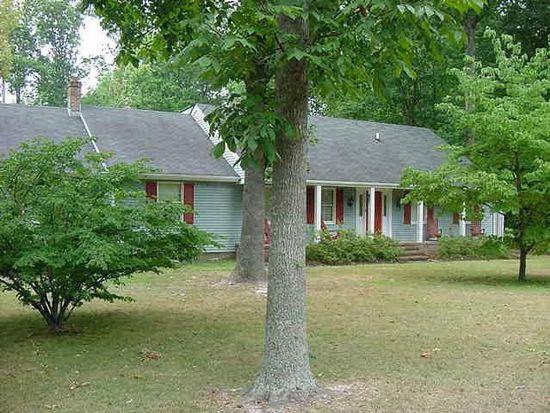 5752 Hillside Dr, Gloucester, VA 23061