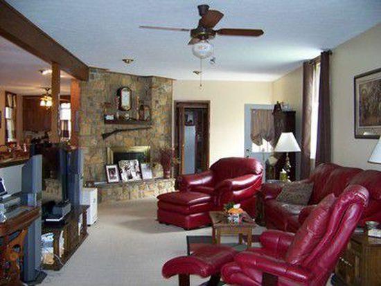 1445 Elk St, Franklin, PA 16323