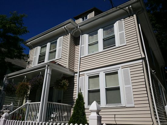 16 Holiday St, Dorchester, MA 02122
