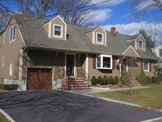 15 Sweetwood Ct, West Caldwell, NJ 07006