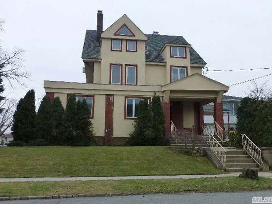 15770 11th Ave, Beechhurst, NY 11357