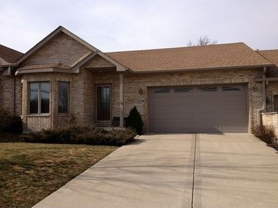 11S360 Deer Trail Ct, Willowbrook, IL 60527