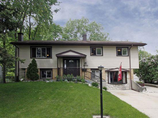 2070 Carleton Rd, Hoffman Estates, IL 60169