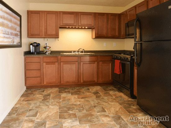 9357 E 42nd St APT 4, Indianapolis, IN 46235