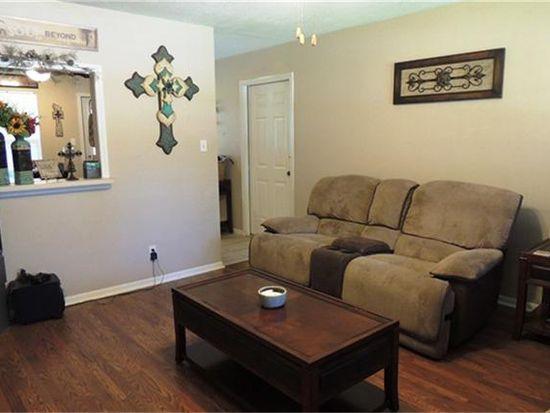 205 N Saeger St, Brenham, TX 77833
