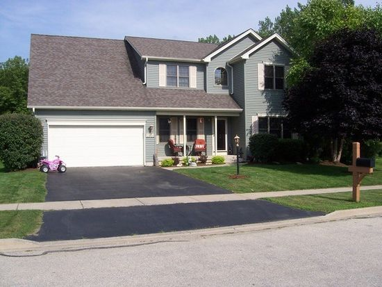 1551 Sandpiper Ln, Woodstock, IL 60098