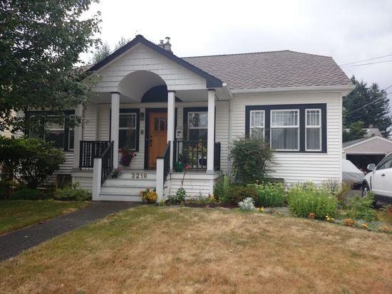 3219 39th Ave SW, Seattle, WA 98116