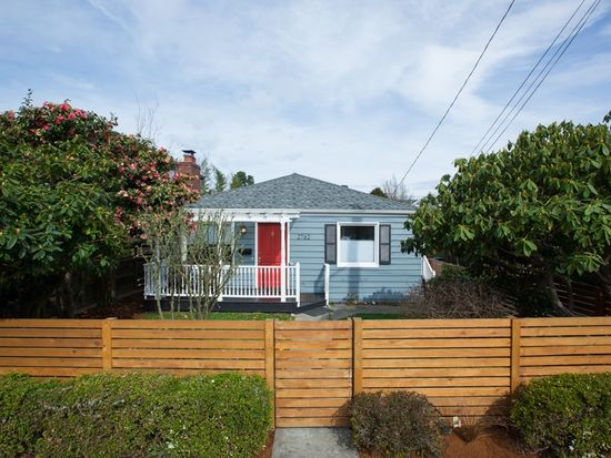 2762 NW 83rd St, Seattle, WA 98117