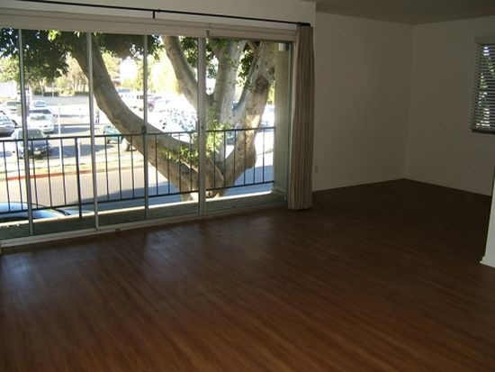 1701 Purdue Ave APT 7, Los Angeles, CA 90025