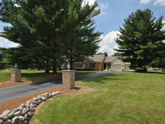6111 N Wyndwood Dr, Crystal Lake, IL 60014