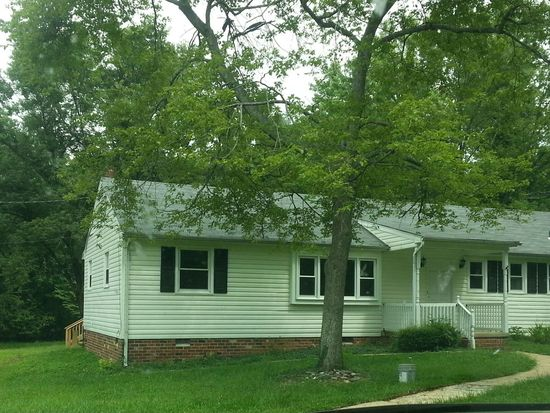 1425 Belleau Dr, North Chesterfield, VA 23235