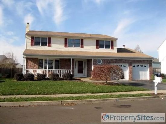 23 Hedgerow Dr, Fairless Hills, PA 19030