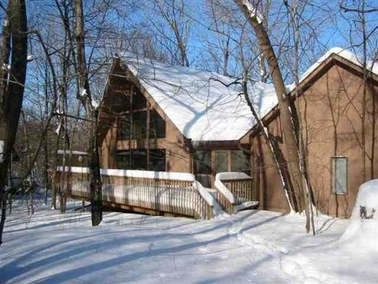 3011 Winter Ridge Rd, Cedar Falls, IA 50613