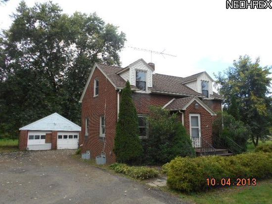 64 31st St NW, Barberton, OH 44203