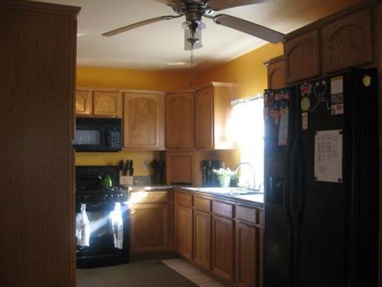 1194 Newhall St, Fall River, MA 02721