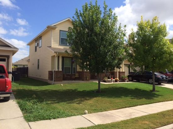 204 Holmstrom St, Hutto, TX 78634