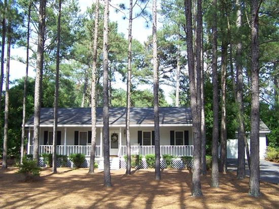 135 Laurel Oak Ln, Pinebluff, NC 28373