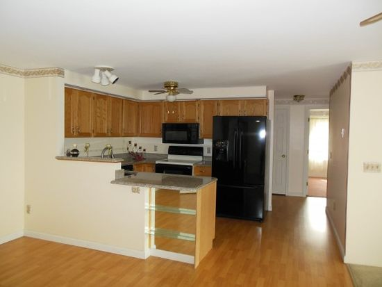 491 Mammoth Rd UNIT 28, Londonderry, NH 03053