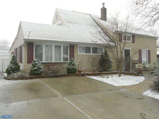 23 Needlepine Ln, Levittown, PA 19054