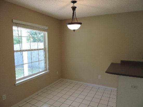 770 Pearl Sand Dr, Mary Esther, FL 32569
