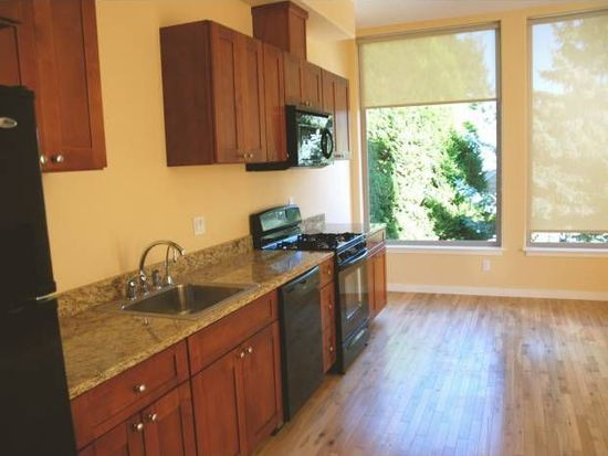 8118 N Willamette Blvd, Portland, OR 97203
