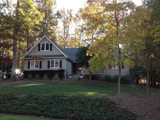 15 Out Of Bounds Rd, Palmyra, VA 22963