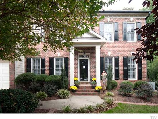 104 Danagher Ct, Holly Springs, NC 27540