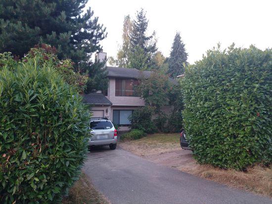 917 N 100th St, Seattle, WA 98133