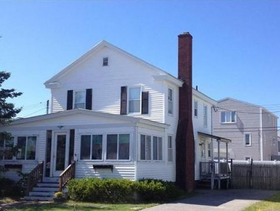 99 Concord St, Seabrook, NH 03874