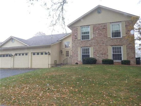 4002 Lexington Dr NE APT D, Cedar Rapids, IA 52402