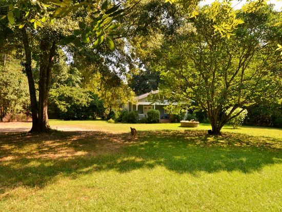 11089 Dewberry Ln, Saint Francisville, LA 70775