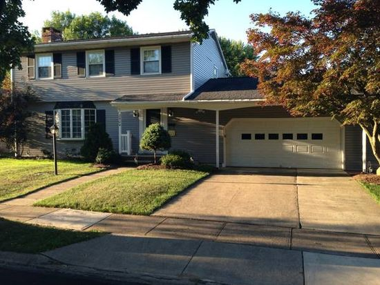 2504 E Hills Dr, Williamsport, PA 17701