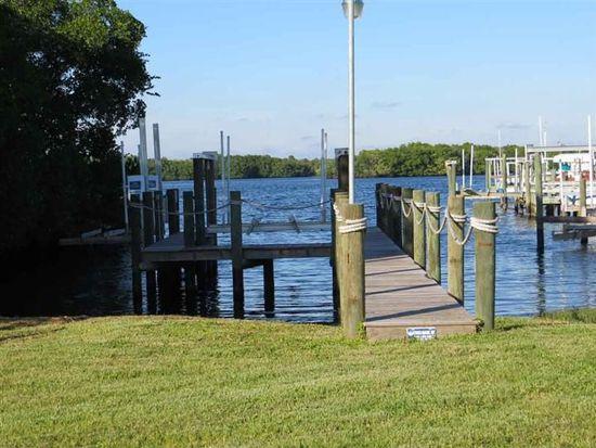 332 Shoreland Dr, Fort Myers, FL 33905