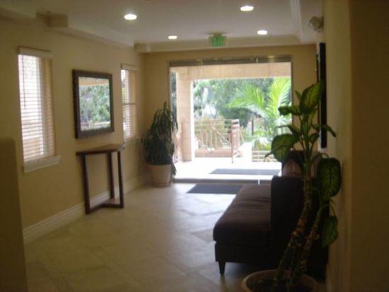 2306 Fox Hills Dr APT 403, Los Angeles, CA 90064