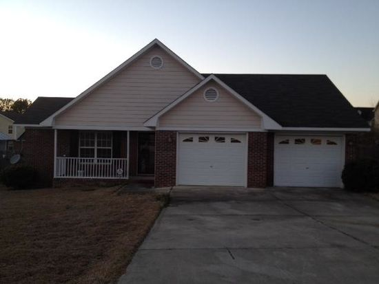 8428 Frenchorn Ln, Fayetteville, NC 28314