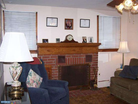 9280 Wheatsheaf Rd, Morrisville, PA 19067