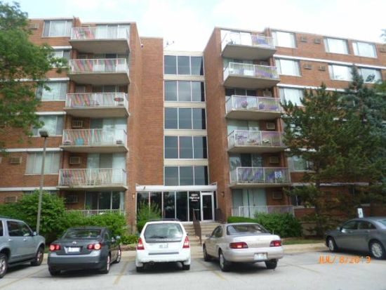 2201 S Highland Ave APT 3L, Lombard, IL 60148