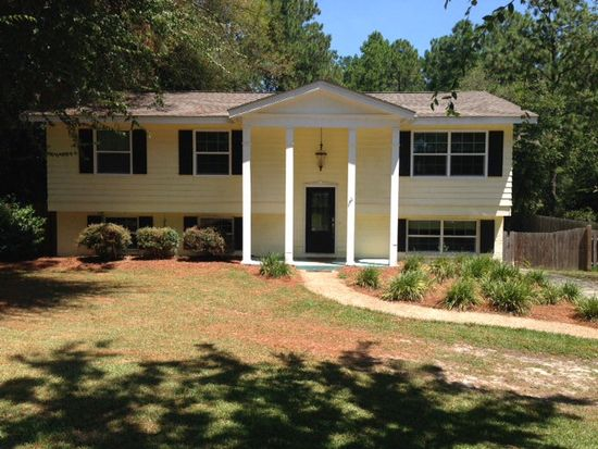 54 Pine Valley Cir, Moultrie, GA 31768