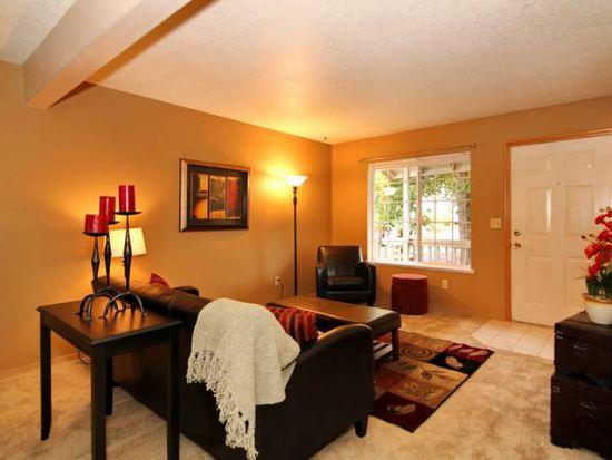 805 Barclay Hills Dr, Oregon City, OR 97045