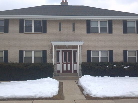 3400 S 92nd St APT 3, Milwaukee, WI 53227