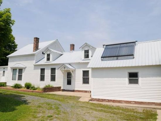 501 Old Claremont Rd, Charlestown, NH 03603